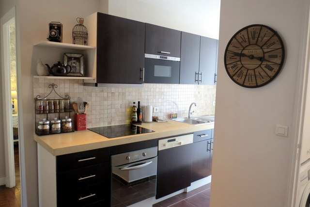 Having a kitchen at your disposal is a great way to cook up a storm with French ingredients.
