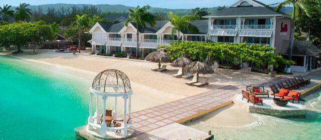 Romantic Jamaica: Top Hotels in Jamaica for a Romantic Stay (or a Honeymoon!)
