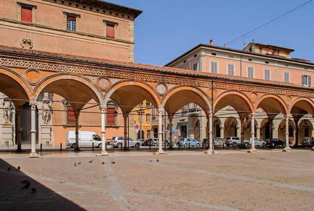 Bologna's Sheltered Walkways