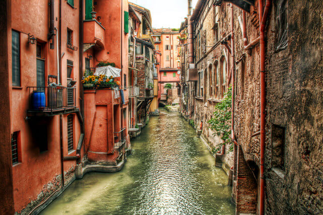 Like Venice, Bologna has a large network of canals running through the city