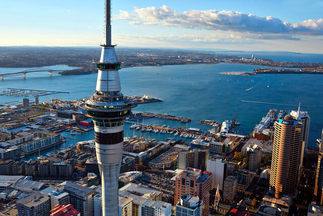 skycity-auckland-sky-tower-during-the-day