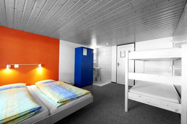 Hostel bed RF