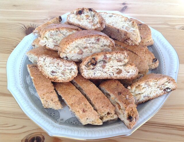 Biscotti_(cantucci) best food in Florence Italy