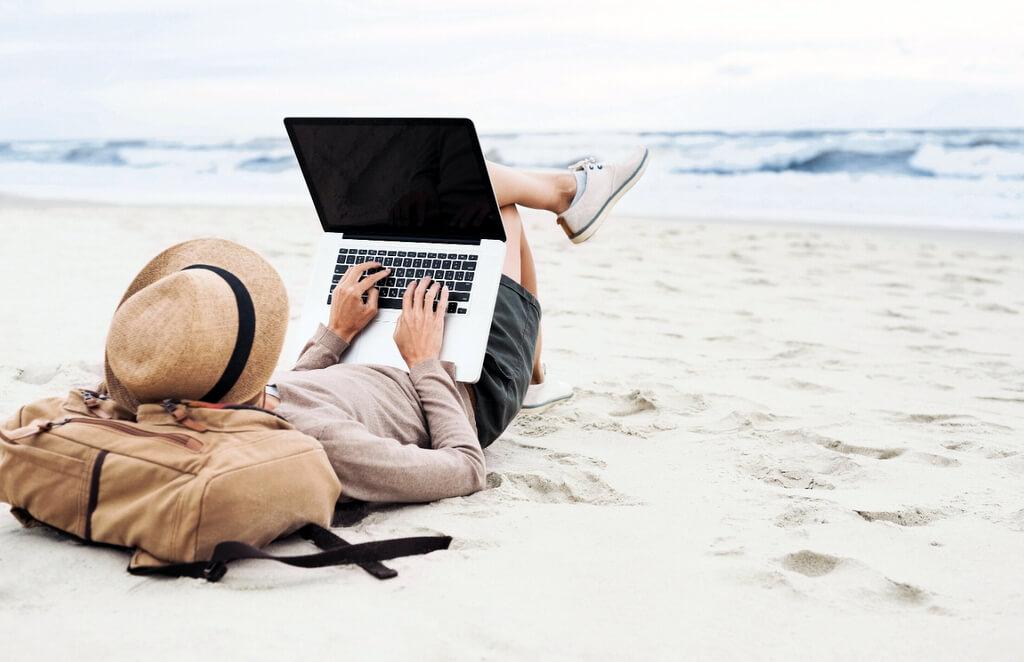 Beach computer laptop VPN RF