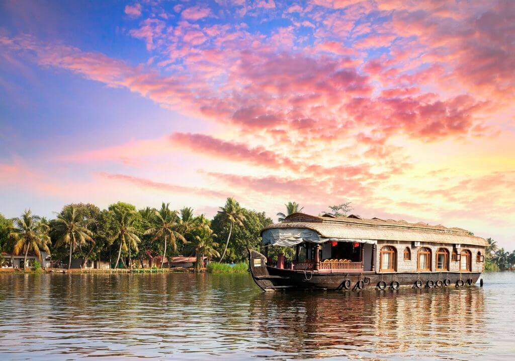 Kerala winter unset houseboat RF