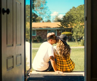 Moving to Live With Your Long Distance Relationship Partner