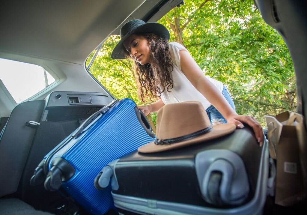 Packing suitcase car RF