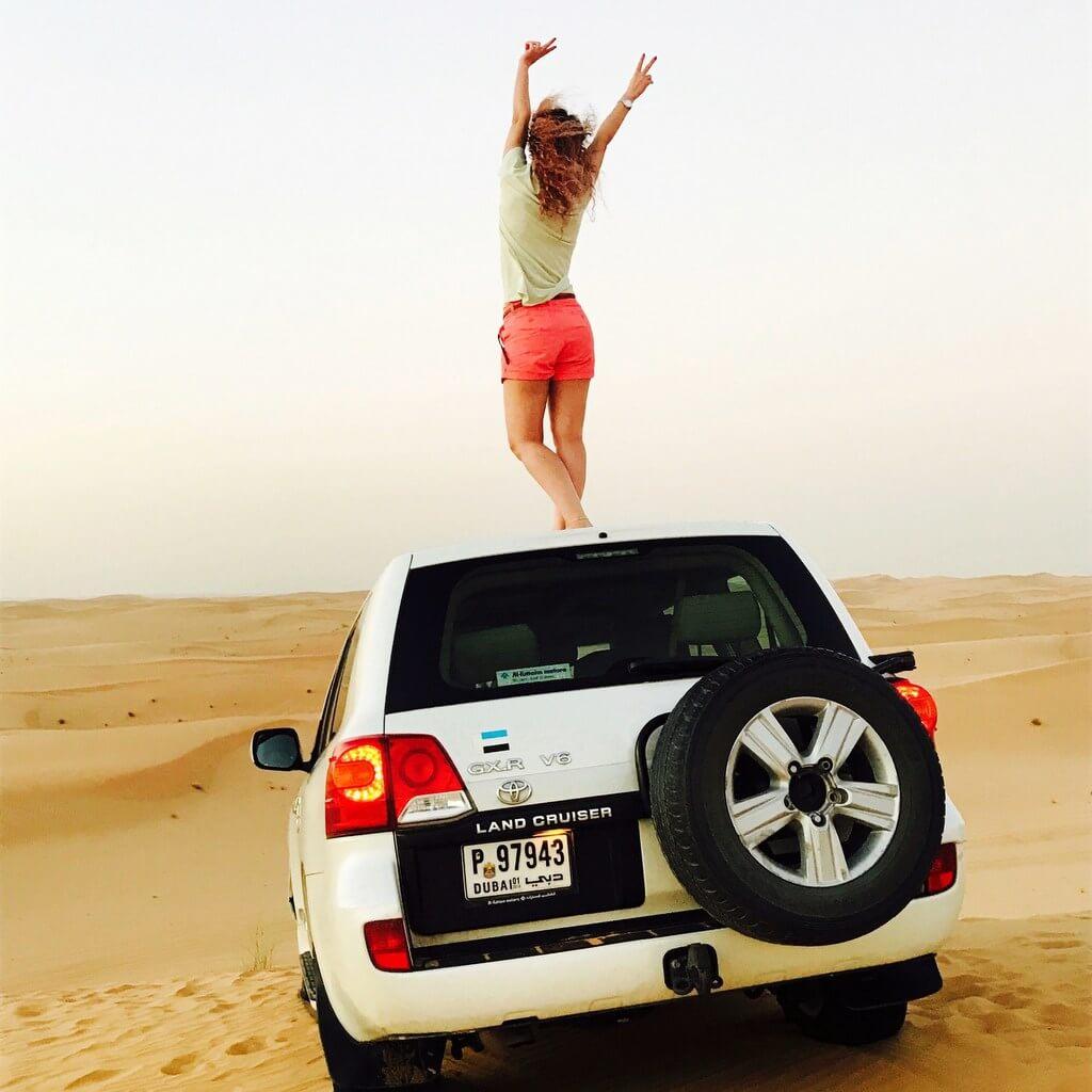 Dubai car woman desert RF