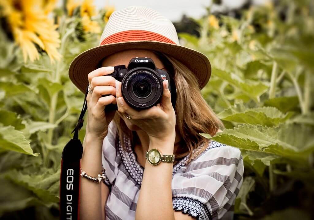 Travel photography girl camera RF