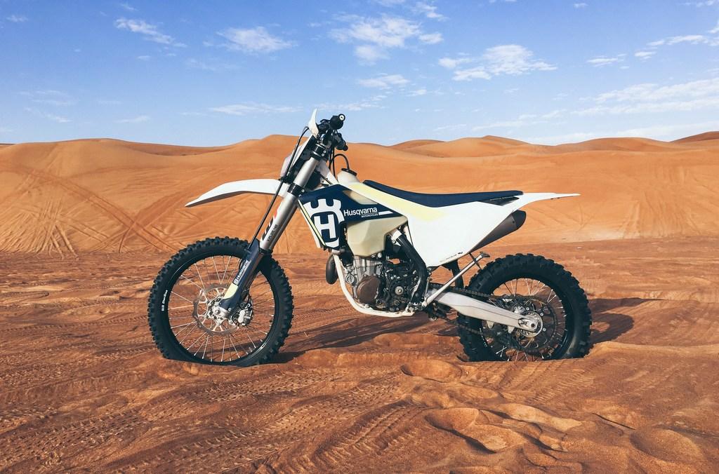 Dirt Bike Desert RF