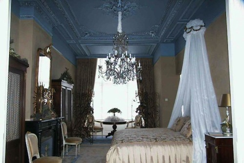 Haagsche Suites room