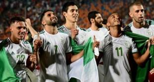 الملك محمد السادس يهنئ الأشقاء الجزائريين: أداء رفيع وتتويج مستحق