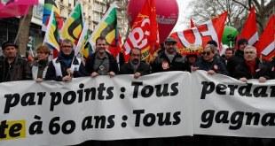 مظاهرات في فرنسا ضد إصلاح أنظمة التقاعد وسط ترقب لاقتراحات جديدة للحكومة