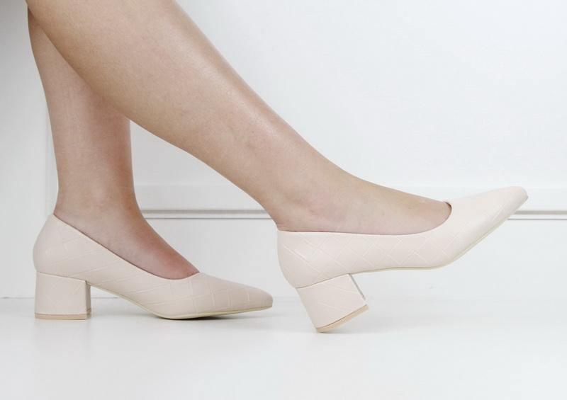 Tropez 70-5 weave embossed pointy on block heel beige (LaMara Paris)