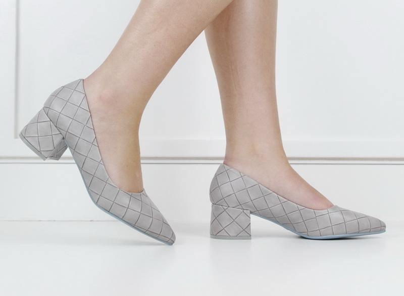 Tropez 70-7 weave embossed pointy on block heel grey