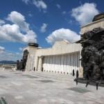 Vedere basorelief la Mausoleul Marasti