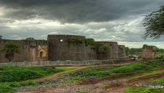 Ahmednagar Fort Information In Marathi