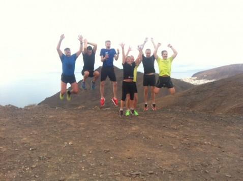Här är vi uppe på första toppen av tre. På denna bild är Rune, Robert, Mathias, Marina, Johan, John och Anders. Foto: privat