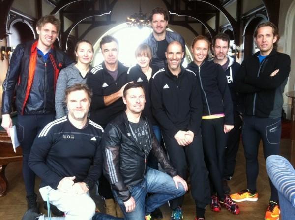 Saltsjöbadens Triathlonklubb i sin klubblokal på Grand Hotel Saltsjöbaden. Foto: privat