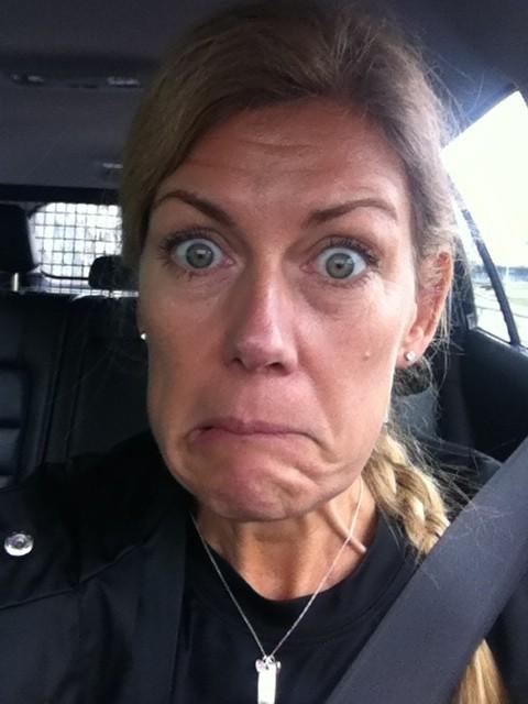 Så här såg jag nog ut när RallyMazda och jag gled in i bilen häromdagen. Foto: privat
