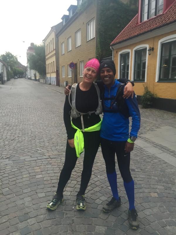 Glada, nöjda och tillfreds i mål. 46:21 lyder den nya tiden. Foto: Jan-Erik Ramström