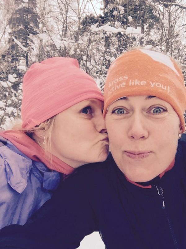 Vackert och snöigt i Ursvik. Glädjefnatt med Moa. Foto: privat