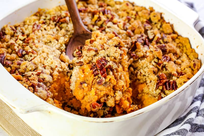 Sweet Potatoe Casserole with Praline Topping