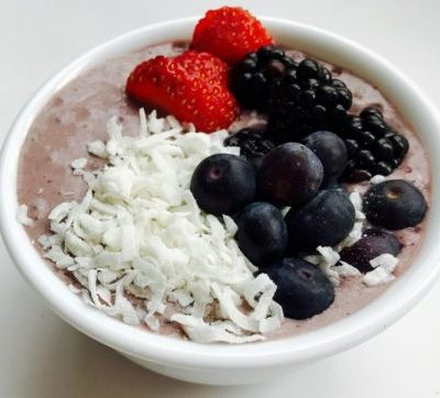 Sweet & Spicy Triple Berry Smoothie Bowl