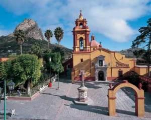 queretaro-turistico-plaza-iglesia-2