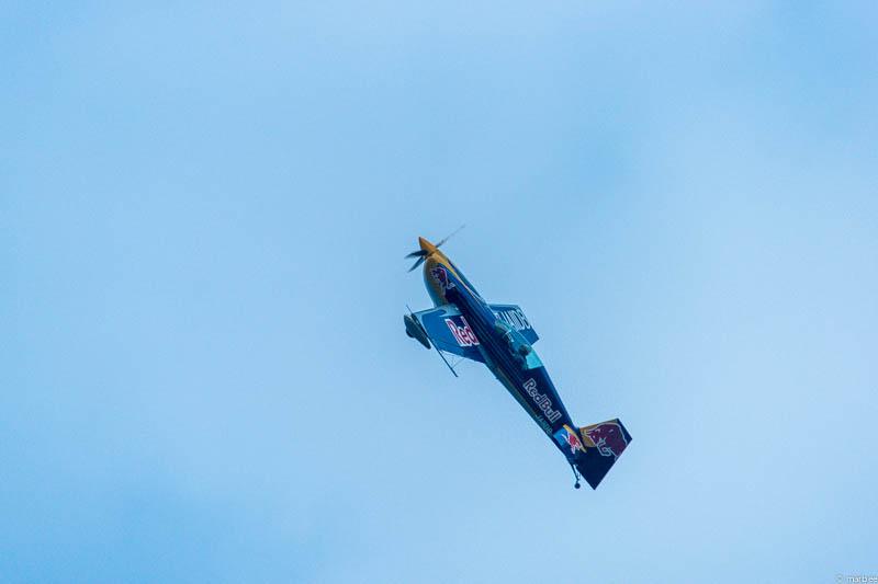 レッドブルの飛行機