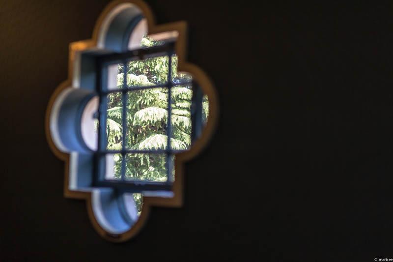 ベーリックホールの窓