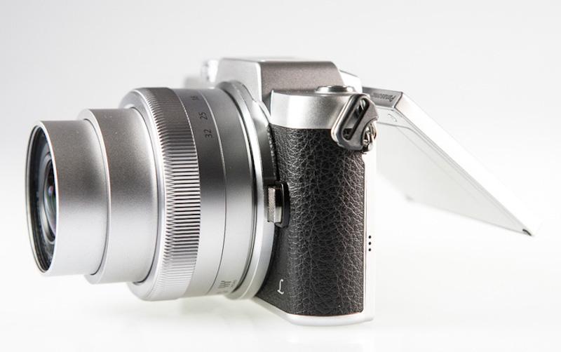 Panasonic Lumix GF7 側面