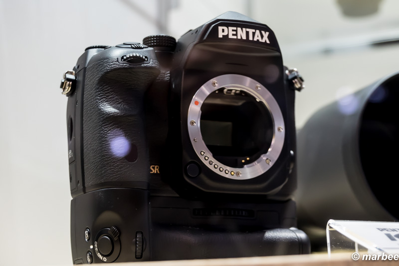 PENTAX K-1 正面