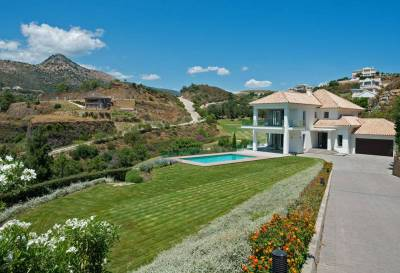 contemporary villa marbella 13