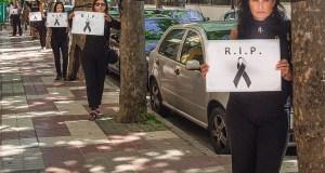 Miembros de la plataforma Marbellaxsusárboles en un acto de protesta