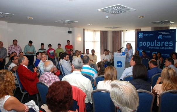 Imagen del Comité Ejecutivo del PP de Marbella este sábado, con el conde Rudy interviniendo