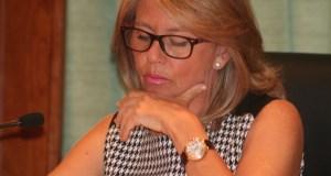 La alcaldesa de Marbella, Ángeles Muñoz, durante el pleno extraordinario de este jueves