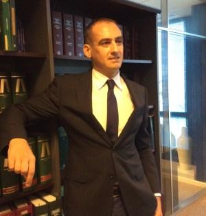 El abogado Antonio Flores en su despacho de Marbella, en imagen de archivo, durante una entrevista con marbellaconfidencial