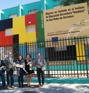 El secretario de Política Institucional del PSOE-A, Francisco Conejo (cuarto de drcha a izqda) junto al candidato a la Alcaldía de Marbella, José Bernal