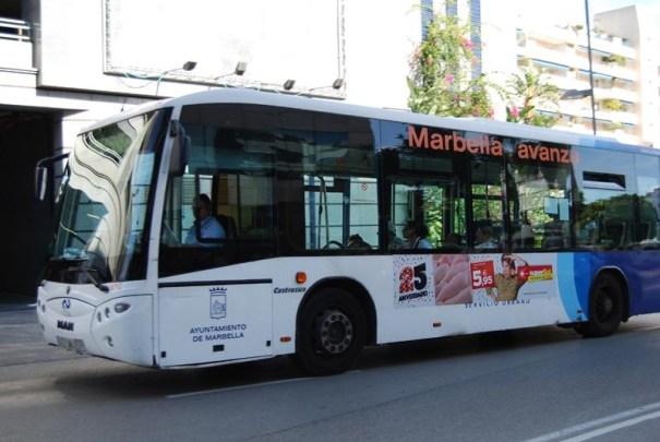Imagen de uno de los autobuses urbanos que circulan por Marbella