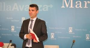 El alcalde de Marbella y delegado de Turismo, José Bernal, este lunes en rueda de prensa. Foto/ marbellaconfidencial.es