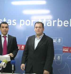 El alcalde de Marbella, José Bernal, junto al ahora asesor de Personal y exedil Daniel Pérez Moreno, en imagen de archivo. Foto/ marbellaconfidencial.es
