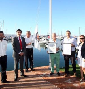 El exdirector del Puerto Deportivo de Marbella, Miguel Ángel Lavela (segundo por la derecha) junto al exedil del PP Antonio Espada en una imagen de archivo.