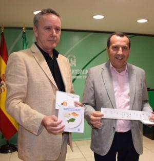 El delegado de la Junta en Málaga, José Luis Ruiz Espejo (drcha) junto al delegado territorial de Agicultura y Pesca, Adolfo Moreno. Foto/ Junta de Andalucía