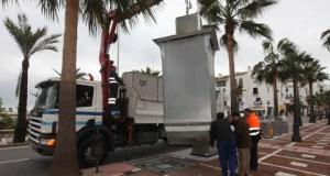 Imagen de archivo de la instalación de contenedores soterrados en Puerto Banús.