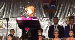 La periodista Rosa Villacastín durante su pregón de la Feria de Ojén, en la noche del viernes