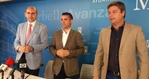 De izqda a drcha Francisco Conejo, José Bernal y Ricardo López en rueda de prensa este lunes en el Ayuntamiento de Marbella. Foto/ marbellaconfidencial.es