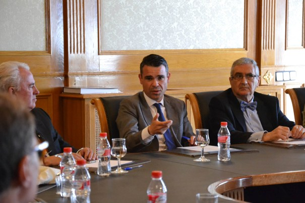 El alcalde de Marbella, José Bernal, este lunes reunido con el presidente del Círculo Mercantil de Málaga, Federico Terrón, entre otros empresarios