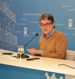 El portavoz del equipo de gobierno de Marbella, Javier Porcuna, este martes en rueda de prensa