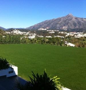 Vistas del Valle del Golf de Marbella desde una villa de la calle Alcalá. Foto/ marbelllaconfidencial.es